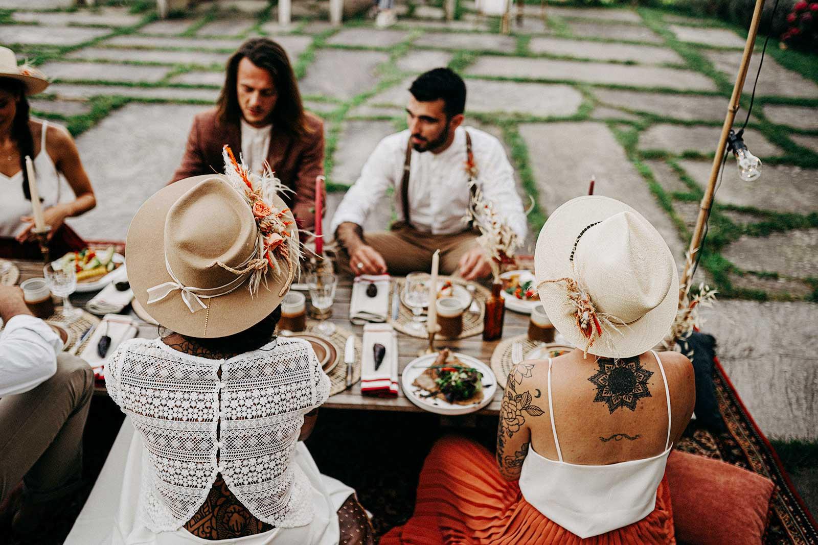 mariage-Belharra-Repas-chic-boheme-mariagboheme-paysbasque